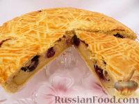 Фото к рецепту: Баскский пирог с черешней (вишней)
