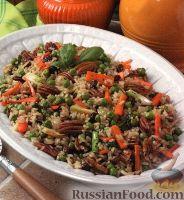 Фото к рецепту: Коричневый рис с овощами и орехами