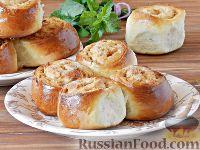 Фото к рецепту: Сдобные булочки с яблоками и сгущенкой