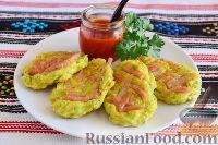 Фото к рецепту: Кабачковые оладьи с сосисками