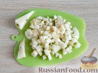 Фото приготовления рецепта: Оладьи из груш и бананов - шаг №2