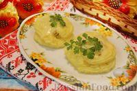 Фото к рецепту: Жареные лисички в картофельных