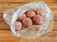 Фото приготовления рецепта: Тефтели в сметанном соусе - шаг №8