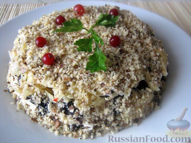 Салат с грибами курицей и орехами рецепт пошагово в 16