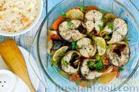 Фото к рецепту: Скумбрия, запечённая с овощами, в вине