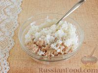 Фото приготовления рецепта: Тефтели, запечённые под грибным соусом - шаг №6