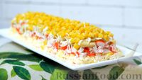 Фото к рецепту: Крабовый салат «Новинка» с сухариками