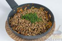Фото приготовления рецепта: Чечевица с шампиньонами - шаг №9