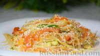 Фото к рецепту: Салат из фунчозы с овощами
