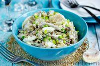 Фото к рецепту: Салат с языком и жареными грибами