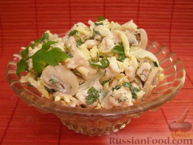 Салат из куриной грудки с грибами, ананасом 3 рецепта