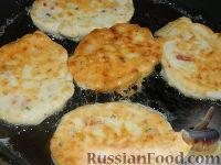Фото приготовления рецепта: Сырники по-новому - шаг №13