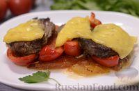 Фото к рецепту: Телятина, запечённая с помидорами и перцем