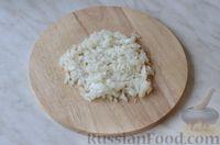 Фото приготовления рецепта: Горячие бутерброды с шампиньонами и сыром - шаг №4