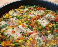 Фото к рецепту: Запеченная рыба с овощами