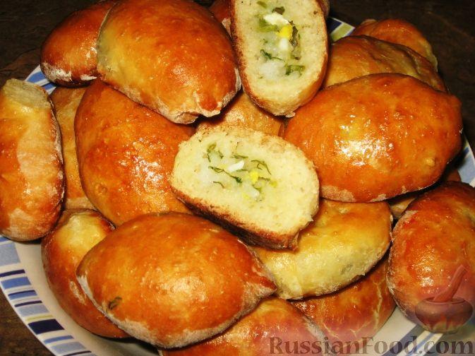 Дрожжевые пирожки на кефире в духовке