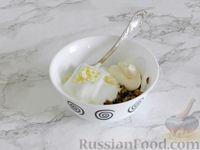 Фото приготовления рецепта: Куриные блины с грибным соусом - шаг №13