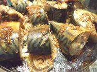 Фото к рецепту: Скумбрия, запеченная в горчично-соевом соусе