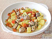 Фото к рецепту: Домашнее жаркое из свинины с овощами (в духовке)