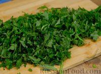 Фото приготовления рецепта: Зелёный борщ со щавелем и крапивой - шаг №5