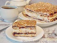 Фото к рецепту: Торт с безе, заварным кремом и смородиновым вареньем