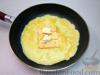 Сырный омлет с паприкой и кунжутом - рецепт пошаговый с фото