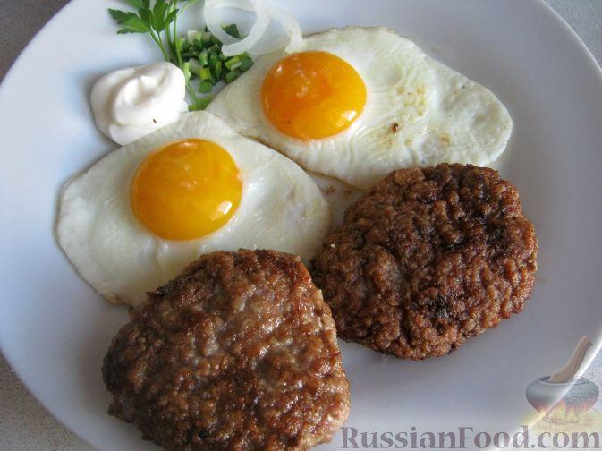 Рецепт Рубленый бифштекс с яйцом