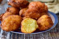 Фото к рецепту: Быстрые творожные пончики