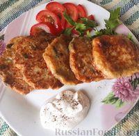 Фото к рецепту: Кабачковые оладьи с плавленым сыром и зеленью