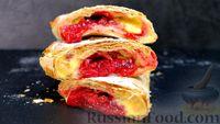 Фото к рецепту: Ленивый пирог из лаваша с вишней и заварным кремом