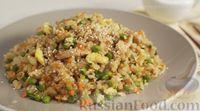 Фото приготовления рецепта: Рис по-тайски, с курицей, овощами и жареным яйцом - шаг №16