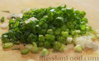 Фото приготовления рецепта: Рис по-тайски, с курицей, овощами и жареным яйцом - шаг №5