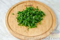 Фото приготовления рецепта: Овощной салат с яблоком, брынзой и маслинами - шаг №8