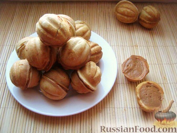 Как испечь печенье орешки со сгущенкой