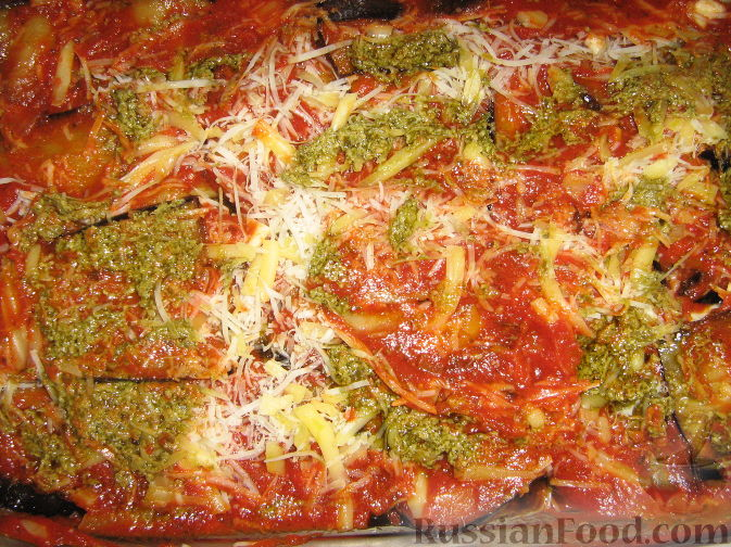 Рецепт Пармижиана из баклажанов с соусом из базилика и соусом песто