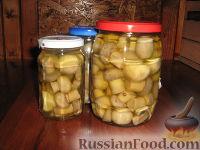 Фото к рецепту: Шампиньоны маринованные вкуснейшие