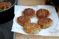 Фото приготовления рецепта: Котлеты из баклажанов с сыром и мятой - шаг №12