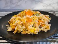 Фото к рецепту: Рис с овощами в азиатском стиле