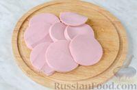 Фото приготовления рецепта: Оладьи с колбасой и сыром - шаг №5