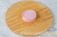 Фото приготовления рецепта: Оладьи с колбасой и сыром - шаг №8