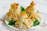 Фото к рецепту: Мешочки из лаваша с сыром, курицей и грибами