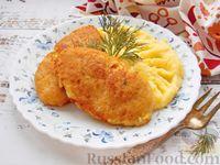 Фото к рецепту: Котлеты из рыбного фарша с салом и манкой
