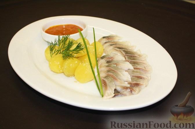 Рецепт Сельдь с картофелем в кунжуте и с конфитюром из облепихи