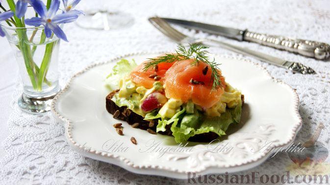 Рецепт Бутерброд с сёмгой и яичным салатом