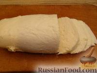 """Фото приготовления рецепта: Салат-закуска """"Капрезе"""" - шаг №2"""