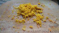 Фото приготовления рецепта: Постный морковный торт с орехами и апельсиновым кремом на манке - шаг №10