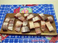 Фото приготовления рецепта: Жареная рыба в кляре на кефире - шаг №2