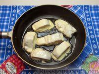 Фото приготовления рецепта: Жареная рыба в кляре на кефире - шаг №8