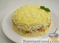 Фото к рецепту: Салат из яиц с яблоком и крабовыми палочками