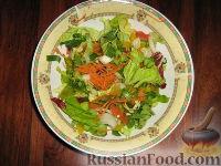 """Фото к рецепту: Салат с черемшой """"Свежесть"""""""